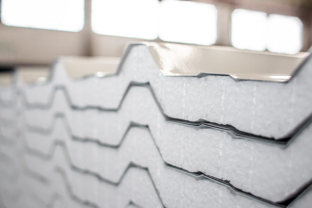 cobertura de galpão telhas termoacústicas