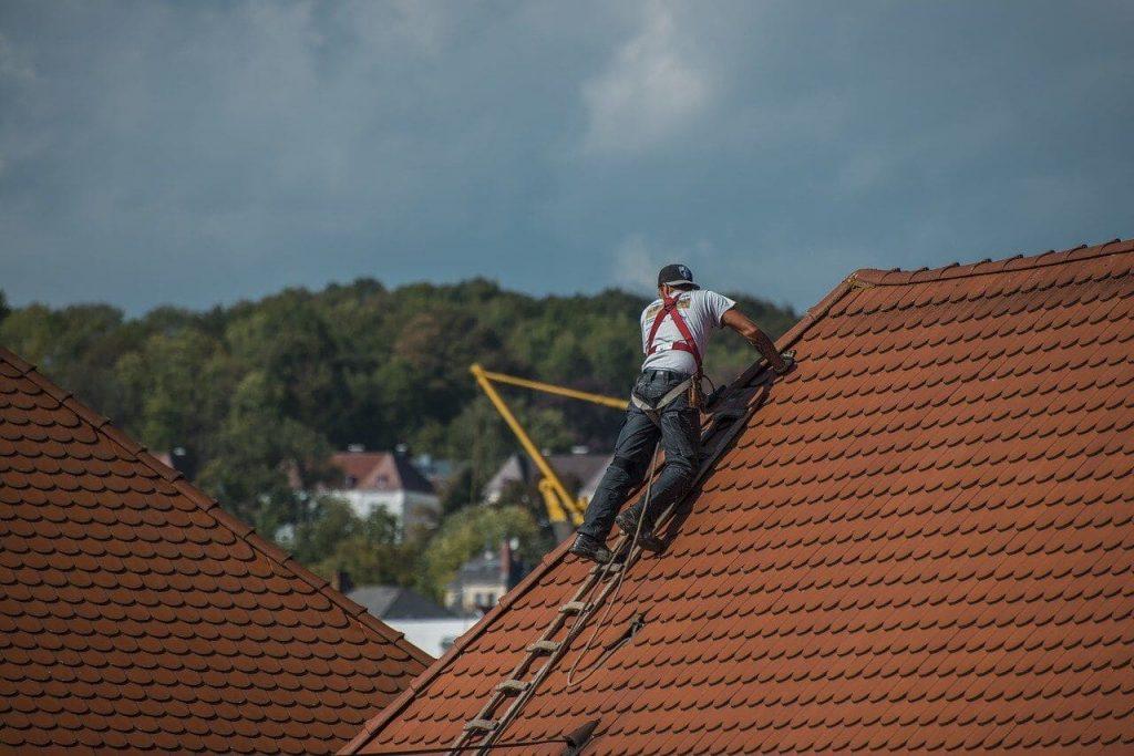 Como fazer uma reforma no telhado?